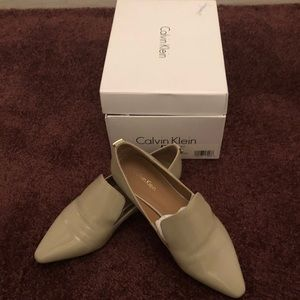 Natural colored Pointy Toe Flats